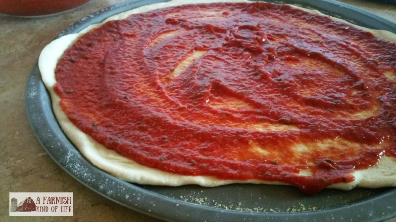 A farmgirl who loves pizza as much as I do eventually has to learn how to make it. Because honestly - how often does a farmgirl go out to eat? So here's how homemade pizza works at Clucky Dickens Farm.